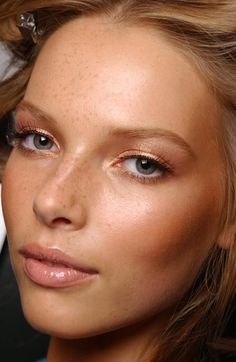 Easy 'everyday' golden makeup with Stila Jewel Eye Shadow in Golden Topaz, $20.00 at crcmakeup.com