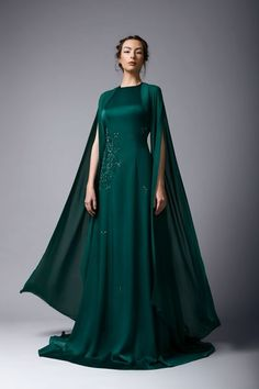 Rayane Bacha Fall/Winter Collection Source by dress formal Pretty Outfits, Pretty Dresses, Fantasy Gowns, Formal Gowns, Dress Formal, Winter Dresses, Beautiful Gowns, Dream Dress, Evening Gowns