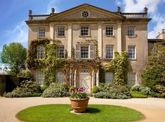 """"""" Highgrove House, the family residence of The Prince of Wales. """" """"I'm not from London, I'm from Tetbury. English Manor Houses, English House, Highgrove Garden, Photo Chateau, Georgian Architecture, Classical Architecture, Historical Architecture, Architecture Design, Royal Residence"""