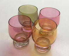 värilliset lasit . korkeus 6.5cm . 2 kpl . #kooPernu