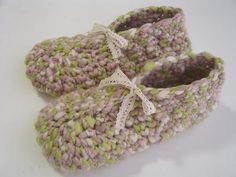 Crochet Slippers Tutorial. Oh, joy!  I have always wanted to learn how to make these!
