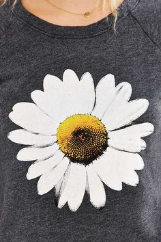 Truly Madly Deeply Daisy Shrunken Sweatshirt - Urban Outfitters