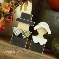 Wood Thanksgiving Crafts and Wood Christmas Crafts | Thoughts in Vinyl