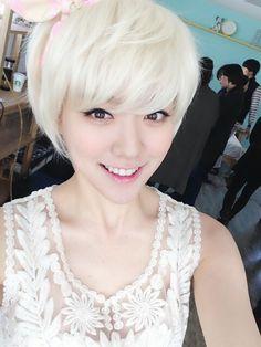 Hello Venus' Lime greets fans with a gorgeous selca ~ Latest K-pop News - K-pop News | Daily K Pop News