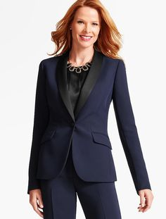 Look party-ready in an instant in our Refined Crepe Tuxedo Blazer.