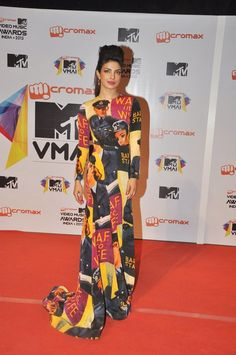 Priyanka Chopra  at MTV Music Awards 2013.