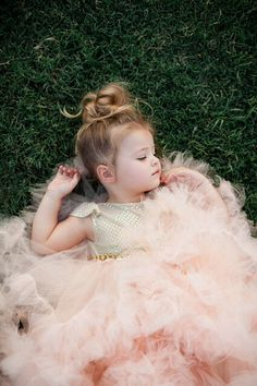 Beautiful little girl in pink tutu So Cute Baby, Baby Kind, Baby Love, Cute Kids, Cute Babies, My Baby Girl, Fashion Kids, Beautiful Children, Beautiful Babies