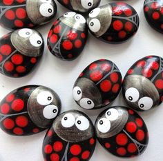 Painted Ladybug Rock, I need to make some of these~ Pebble Painting, Pebble Art, Stone Painting, Rock Painting, Stone Crafts, Rock Crafts, Pebble Stone, Stone Art, Ladybug Rocks