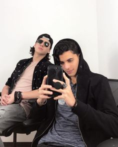 Read Chat from the story WhatsApp de CNCO && una CNCOwner by Xareny_Pandicornia (Xareny Garduño Martínez) with 6 reads. Bff Goals, Friend Pictures, Niall Horan, Perfect Man, Memes, Harry Styles, Friendship, Like4like, Guys