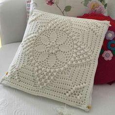 Throw Pillows, Blanket, Crafts, Crochet Doilies, Towels, Sun, Recipes, Crochet Pillow, Tejidos