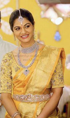 Saree Blouse Neck Designs, Bridal Blouse Designs, Sneha Reddy, Vaddanam Designs, Function Dresses, Dress Design Drawing, Indian Bridal Fashion, Blouse Models, Elegant Saree