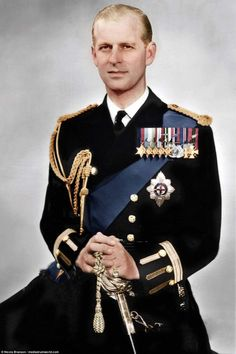 English Royal Family, British Royal Families, Elizabeth Philip, Queen Elizabeth Ii, Victoria Reign, Queen Victoria, Royal Family Pictures, Young Prince, Her Majesty The Queen
