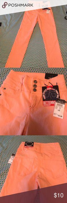 "Peach 🍑 hi waisted stretchy jeans Peach ""better butt"" stretchy jeans. Hi waisted. Jeans Skinny"
