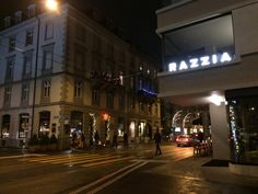 Restaurant/Bar Razzia by Night