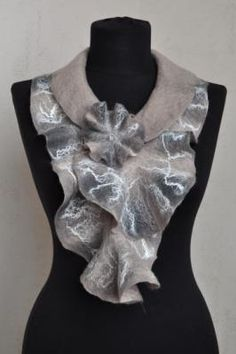 "scarf with ""waves"""