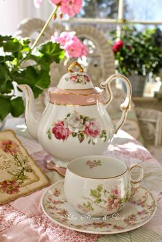 Aiken House & Gardens: Garden Tea News