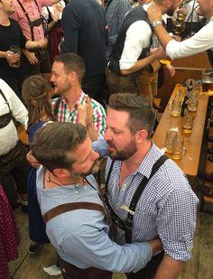 Lederhosen. Nichts als Lederhosen Mens Leather Pants, Hugs, Gay Beard, Men Kissing, Lgbt Love, Beard Styles For Men, Cute Gay Couples, Bear Men, Men In Uniform