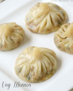 Veg momos recipe, How to make momos - Raks Kitchen Veg momos.I would add capsicum (bell peppers) and french beans to this as well.I love the extra veggie version of anything (you will know i Indian Snacks, Indian Food Recipes, Asian Recipes, Indian Appetizers, Cabbage Recipes Indian, Indian Vegetarian Recipes, Veg Appetizers, Veg Recipes Of India, Delicious Vegan Recipes