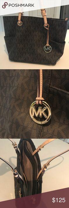 Michael Kors Jet Set Travel Small Logo Tote ❗️LIKE NEW❗️ Michael Kors Jet Set Travel Small Logo Tote Michael Kors Bags Shoulder Bags
