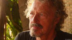 BAP-Frontmann Wolfgang Niedecken setzt sich seit Jahren für Menschenrechte ein. Egoismus könne Zivilisationen zerstören, sagt er im DW-Interview. F...