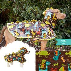 Dog Raincoat - Brogy needs this! Raincoat Jacket, Yellow Raincoat, Hooded Raincoat, Cheap Raincoats, Raincoats For Women, Amy, Dog Pattern, Animal Crafts, Pets
