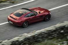 Test with Mercedes-AMG GT S. The AMG division is shifting philosophy, providing a model in the conventional segment of sports cars. Mercedes Amg Gt S, Full Throttle, Car, Automobile, Vehicles, Autos