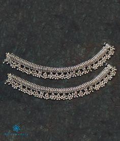 The Nritya Bridal Silver Anklets - KO Jewellery Payal Designs Silver, Silver Anklets Designs, Silver Payal, Anklet Designs, Jewellery Designs, Gold Jewelry Simple, Silver Jewelry, Jewlery, Leg Chain