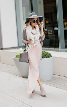 Hello Fashion: How to Transition a Summer Maxi into Fall pastel in the fall Fashion Moda, Look Fashion, Fashion Ideas, Cardigan Gris, Scarf Cardigan, Long Cardigan, Autumn Winter Fashion, Spring Fashion, Ankle Boots Dress