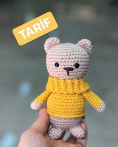 Merhabalarrr ve karsınızda bu sevimli ayıcığın tarifi.. 🐻KAFA 1.sihirli halka 6 sık iğne 2.hep çift 12 sık iğne  3.bir tek bir çift 18 sık… Crochet Dolls, Crochet Hats, Diy Toys, Tweety, Minis, Panda, Hello Kitty, Diy And Crafts, Crochet Patterns