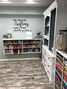 DIY Craft Room Organization Ideas for Small Spaces – i Love Organizing – Grandcrafter – DIY Christmas Ideas ♥ Homes Decoration Ideas Craft Room Design, Craft Room Decor, Cricut Craft Room, Craft Space, Craft Room Storage, Small Craft Rooms, Sewing Rooms, Small Spaces, House