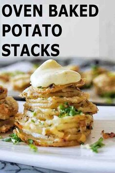 Easy parmesan oven roast potato stacks are the best side dish for any occassion! Simple to make in a muffin tin these individual au gratin potatoes are cheesy, crispy and delicious! #roastpotatoes @sweetcaramelsunday Baked Potato Oven, Oven Roasted Potatoes, Sliced Potatoes, Oven Baked, Mini Potatoes, Potatoes Au Gratin, Muffin Tin Potatoes, Best Side Dishes, Recipe Steps
