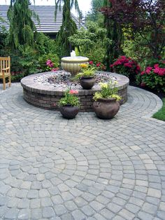 Old Dominion Circle Kits make it easy to add a circular patio, fountain, or other features to your outdoor living space. The kit is a predefined pattern with a diameter of and total coverage of square feet. Backyard Patio Designs, Front Yard Landscaping, Landscaping Ideas, Patio Ideas, Backyard Ideas, Desert Backyard, Inexpensive Landscaping, Landscaping Edging, Modern Landscaping