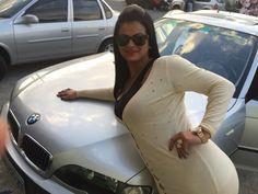 Pose.. câmera ação: o que a gente não faz para ajudar o Amigo vender carro em tempos de crise no Brasil!!! Ahahaha Guto Ti love Pia♡
