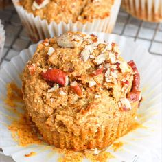 These healthy sweet potato muffins are gluten-free and so easy to make, plus they are made with simple ingredients like oatmeal and chocolate chips. An easy breakfast recipe that can be prepped ahead, too! Sweet Potato Cookies, Steamed Sweet Potato, Sweet Potato Bread, Sweet Potato Muffins, Sweet Potato Breakfast, Sweet Potato Biscuits, Manger Healthy, Sweet Potato Recipes Healthy, Protein Recipes
