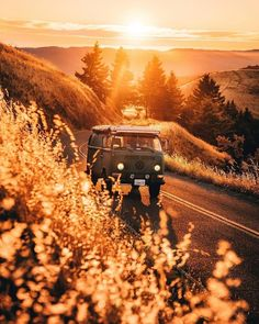Aesthetic Backgrounds, Aesthetic Wallpapers, Nature Photography, Travel Photography, Photography Quote, Travel Aesthetic, Belle Photo, Van Life, Picture Wall