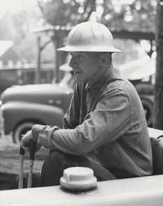 Image result for vintage workwear Industrial Workwear, Historical Images, Heart And Mind, Work Wear, History, American, Vintage, Style, Outfit Work