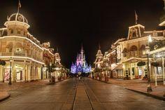 Click to rate Good Night, Magic Kingdom; Leo deCandia