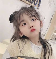 Cute Little Baby Girl, Cute Baby Girl Pictures, Baby Girl Images, Cute Girl Face, Little Babies, Baby Photos, Cute Girls, Cute Asian Babies, Korean Babies