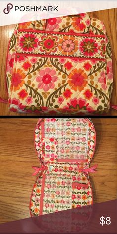 Vera Bradley electronic case Perfect bag to hold all the chargers, plug and electronics Vera Bradley Bags