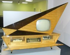 """The ultimate in 1950s """"Space Age"""" design ♦ Media centre with television, record player, and radio"""