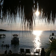 Sun Downers on Pinterest?! Love this bar in Roatan, Honduras <3