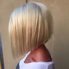 Classic a-line bob hairstyle for fine hair bob, 21 Eye-catching A-line Bob Hairstyles - Styles Weekly Bob Hairstyles For Fine Hair, Hairstyles Haircuts, Angled Bob Hairstyles, Trendy Hairstyles, Hairstyles Pictures, Modern Haircuts, Pixie Haircuts, Layered Haircuts, A Line Hairstyles