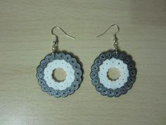 Pendientes circulos grandes hama beads by Ursula