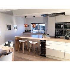 Kitchen goals via @frufjellstad | Home decor inspiration from ImmyandIndi