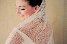 hand knit wedding veil and other fun yarn-inspired wedding decor
