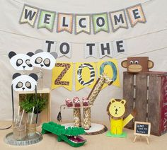So you're having a Zoo party for the kids? Give 'em fun animal crafts to make with these great Zoo themed party activities. There's even a craft for mom! Safari Birthday Party, Animal Birthday, 3rd Birthday Parties, Birthday Fun, Birthday Ideas, Party Animals, Kids Animal Party, Jungle Animals, Safari Party