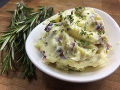 Zwiebel-Rosmarin Butter - Rezept von Joes Cucina Verde Caprese Salat, Potato Salad, Potatoes, Ethnic Recipes, Food, Butterbeer Recipe, Cooking, Spreads, Eten