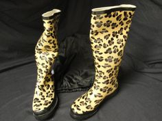 Womens Ballard Design Fashion Rainboots..Cheetah Print, trimmed in Black..Comes with a nice Matching carry bag..Small, Medium and Large..Winning Bidder can buy as many as you like