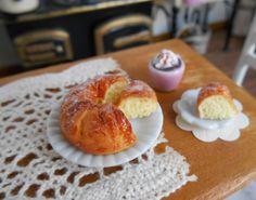 The Mini Food Blog: Hot Chocolate & Baked Goods ~ Ann Sanz