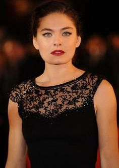 Alexa Davalos height is 6 or cm tall. Discover more Celebrity Heights and Vote on how tall you think any Celebrity is! French Actress, American Actress, Alexa Davalos, Clash Of The Titans, Most Beautiful, Beautiful Women, French Beauty, Height And Weight, Beautiful Celebrities
